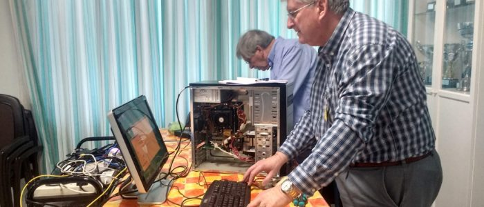 Hardware help desk